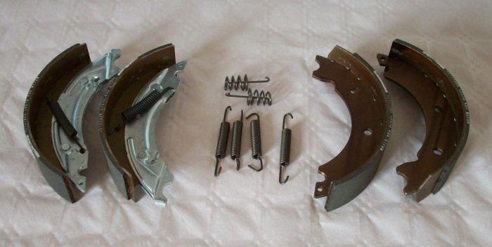 2 Mâchoires de frein pour essieux KNOTT / PAILLARD